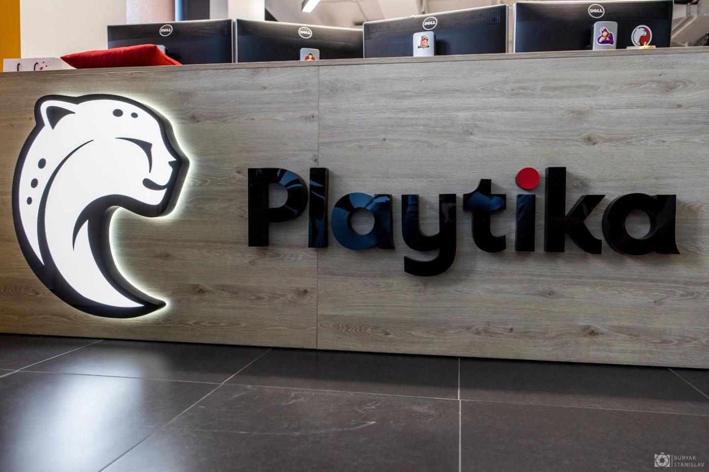 Интерьерная вывеска для «Playtika»
