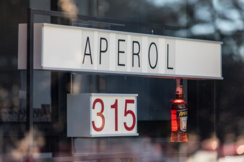 Вывеская для бара «Aperol»