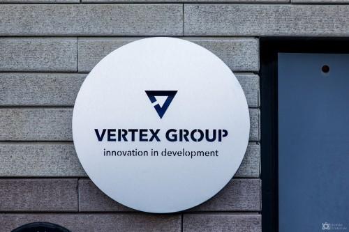 Вывеска «Vertex Group»