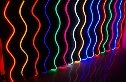 Неон или светодиоды для вывесок: что выбрать?